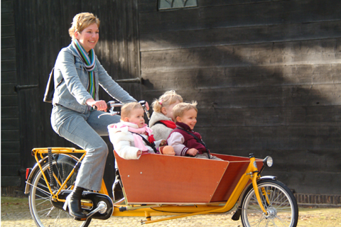 Bakfiets Cargobike for carrying children