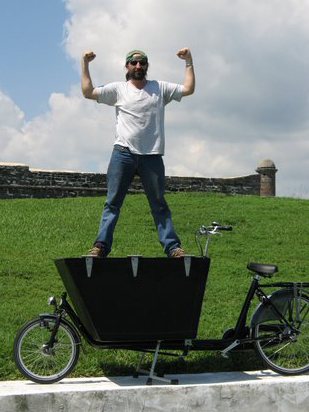 bakfiets cargobike met hele grote polyester bak