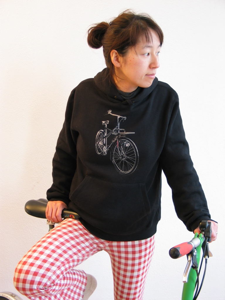 Workcycles hoodie sweatshirt with custom kruisframe bike