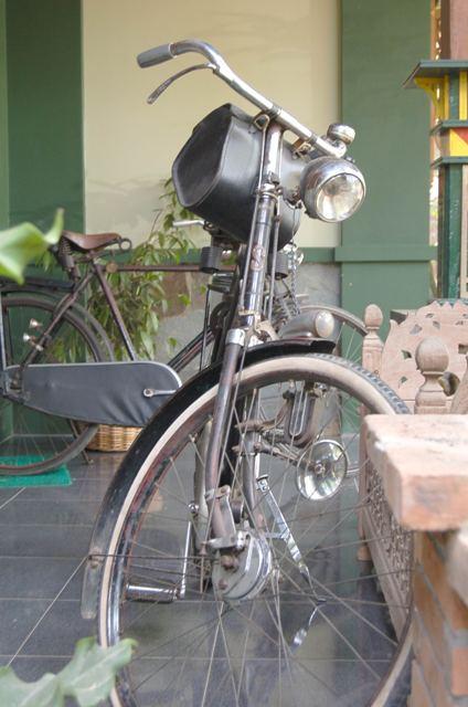 Simplex kruisframe fiets in indonesië