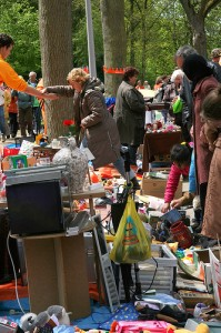 selling old stuff in the vondelpark on queen\'s day