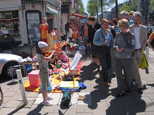 people selling stuff on queen\'s day