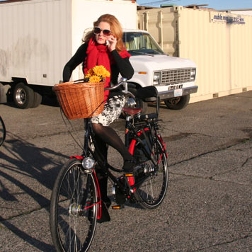 jill keto rides her workcycles omafiets with style