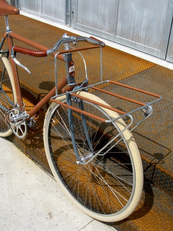 leather-porteur-bike