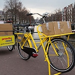 Praxi WorkCycles Fr8 Massive Rack and Trailer